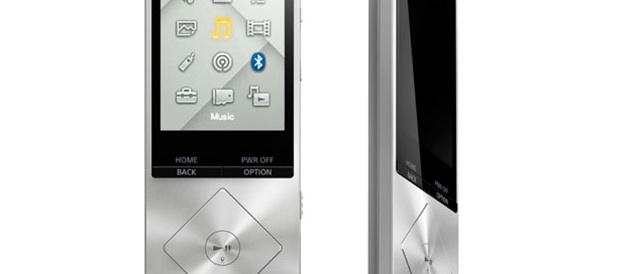 非Androidのハイレゾ音源対応ウォークマン「NWZ-A15」と、ワイヤレス操作できる防水ウォークマン「NWZ-S610」