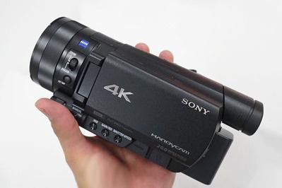 4Kハンディカム「FDR-AX100」がアップデートで4K動画の100Mbps設定や静止画切り出し機能などを追加。