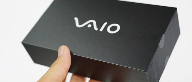 ついにやって来た「VAIO Phone」の『箱』を開けて、中身をチェックしてみよう。