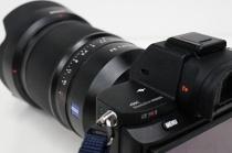 フルサイズEマウント「α7R II」の販売価格、358,880円+税から328,880円+税へと値下げ。