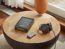 ソニーの高音質技術を集結して作られたシグネーチャーシリーズ、ウォークマン「NW-WM1Z / WM1A」、ステレオヘッドホン「MDR-Z1R」、ヘッドホンアンプ「TA-ZH1ES」。(追記あり)