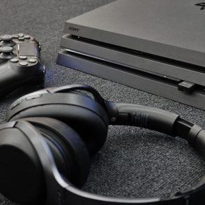 PlayStation 4からの音声を、Bluetoothで飛ばしてワイヤレスヘッドセット「MDR-1000X」をフル活用したい。