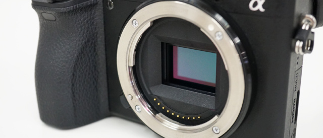 デジタル一眼カメラ「α6500」に、PMCAキーボードでのタッチ操作や動画用ガイドフレーム表示改善のソフトウェアアップデート。