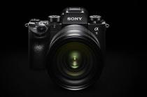 もうソニーのミラーレスかなんて言わせない!一眼レフのメカニカル構造を凌駕するフルサイズミラーレス一眼カメラ 「α9」、5月26日発売。
