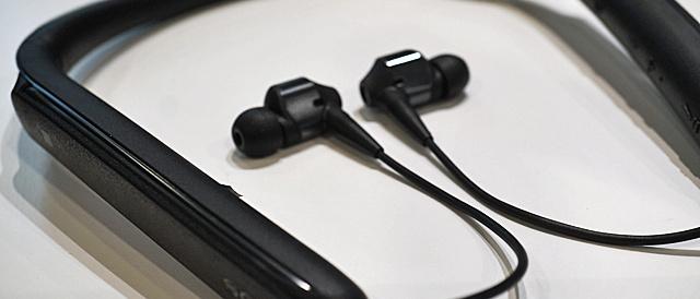 ワイヤレスノイズキャンセリングステレオヘッドセット「WI-1000X」をソニーストアで触ってきたレビュー。ノイキャンも音質も妥協せずに持ち運びも楽ちんなネックバンドタイプは超アリ!