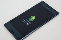 「Xperia XZ Premium SO-04J」Android 8.0(Oreo)へアップデート。「3Dクリエーター」や「笑顔検知して自動で先読み撮影」、「オートフォーカス連写」、「静止画歪み補正」、キャリアアグリゲーションに対応。
