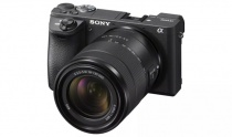 海外でAPS-C対応レンズとして E 18-135mm F3.5-5.6 OSS「SEL18135」を発表。α6300にシルバーモデルを追加。