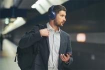 Bluetooth対応ワイヤレスヘッドホン新モデル、ノイキャン搭載して最大35時間再生可能な「WH-CH700N」、コンパクトタイプの「WH-CH400 / C300」。