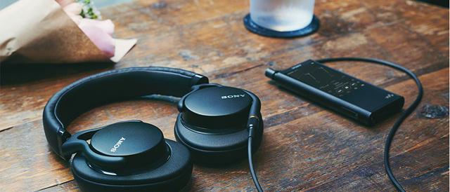 高音質化と軽量小型化を両立、バランス接続とハイレゾ音源に対応したヘッドホン「MDR-1AM2」。