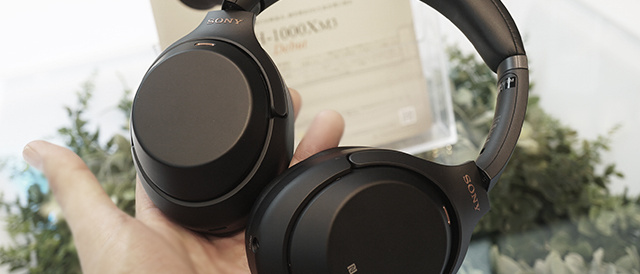 ワイヤレスノイズキャンセリングステレオヘッドセット「WH-1000XM3」をソニーストアで触ってきたレビュー。ノイキャンの静寂っぷりと音質の心地よさがツボにハマる。