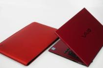 buzzhouse design.x[kunkoku別注] VAIO S11(2017年10月~モデル) 専用ハンドメイドレザーケース。「VAIO S11 | RED EDITION」との組み合わせ。