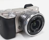 デジタル一眼カメラ α6000 に、最新ソフトウェアアップデート「Ver. 3.21」。AF動作の安定性向上。