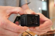 プレミアムコンパクトカメラ「RX0 II」をソニーストアで触ってきたレビュー。「RX0」からの改良点モリモリ、新しいモバイルアプリとの連携がおもしろい。