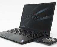 4Kディスプレイ / UHD BD / Thunderbolt3 / 第8世代 Core Hプロセッサー/ DDR4 32GB / 高速SSD+大容量HDDを搭載する、母艦となりうるA4フルノートPC「VAIO S15」。