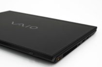 持ち運びやすいサイズそのままにより生産性がアップしたモバイルPC「VAIO SX12」レビュー(その1)19mmキーピッチのキーボードの快適さとUSB type-Cの拡張性。