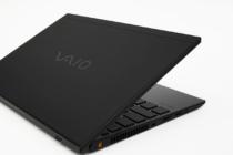 第10世代Intel Core プロセッサーを搭載して格段にパフォーマンスが向上した「VAIO® SX12 | ALL BLACK EDITION」レビュー。実用性とデザインのクールさを兼ね備えた「隠し刻印キーボード」。