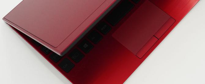 本気使いのモバイルVAIOに、深紅と漆黒のコントラストが所有欲を満たす「VAIO SX12 | RED EDITION」。実際に手にするとテンション爆上げの「RED EDITION」