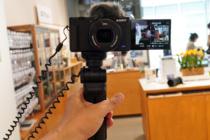 「VLOGCAM ZV-1」を、ソニーストアで触ってきたレビュー(後編)。わずらわしいことはカメラにまかせて撮影に集中できる楽しさが。