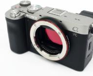 いつも持ち歩きたくなるフルサイズミラーレス一眼カメラ α7C レビュー。(その1)凝縮されたプロダクツを味わえる外観と使い勝手のフィーリング。