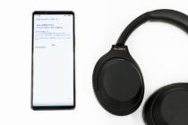 ワイヤレスノイズキャンセリングステレオヘッドセット「WH-1000XM4」に、まれにBluetooth接続が不安定になる事象と通話品質を改善するソフトウェアアップデート。