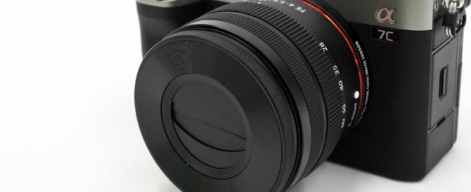 お出かけフルサイズミラーレス一眼カメラ α7C がもっと愛おしくなるアイテム(その2)α7Cとキットレンズ「SEL2860」に、便利なオートレンズキャップを付けてみた結果…。