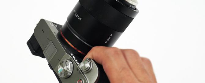 お出かけフルサイズミラーレス一眼カメラ α7C がもっと愛おしくなるアイテム(その5)α7Cのオトモレンズ「SEL55F18Z」をコンパクト&クールに持ち運びたい。