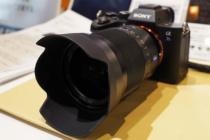 デジタル一眼カメラフルサイズEマウントレンズ Distagon T* FE 35mm F1.4 ZA「SEL35F14Z」大幅値下げ。ソニーストア販売価格199,880 円+税 → 127,000 円+税。
