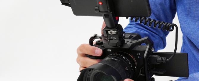 「Xperia PRO」だけが持つHDMImicro端子。カメラと接続して「外部モニター」や「ライブ配信」をしてみる。