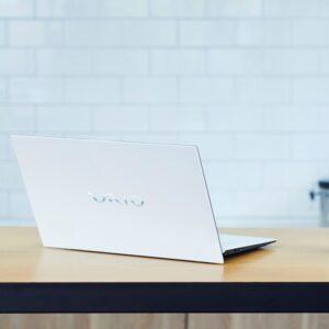 VAIO社初のAMD Ryzenプロセッサーを搭載した15.6型大画面ノートPC「VAIO FL15」登場。VAIOストアなどで79,200円(税込)~、2021年10月6日発売!